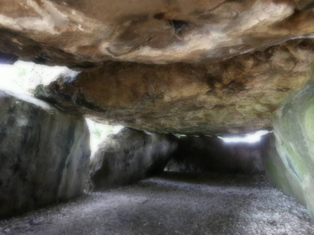 Dolmen de la grotte aux fées