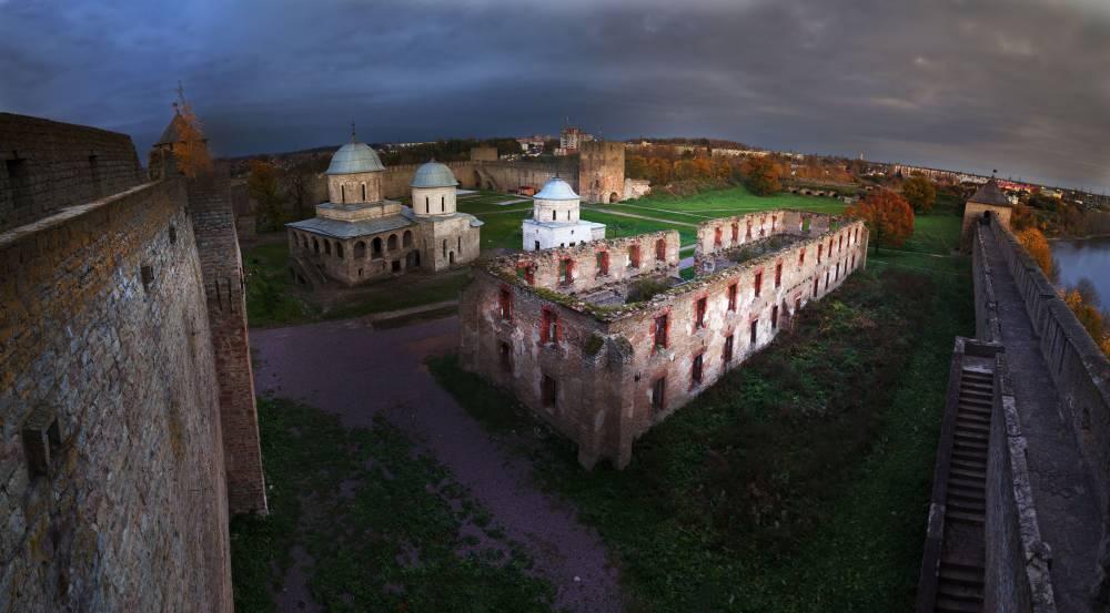 Храмы Ивангородской крепости