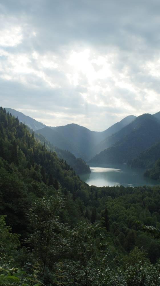 Озеро Рица на закате