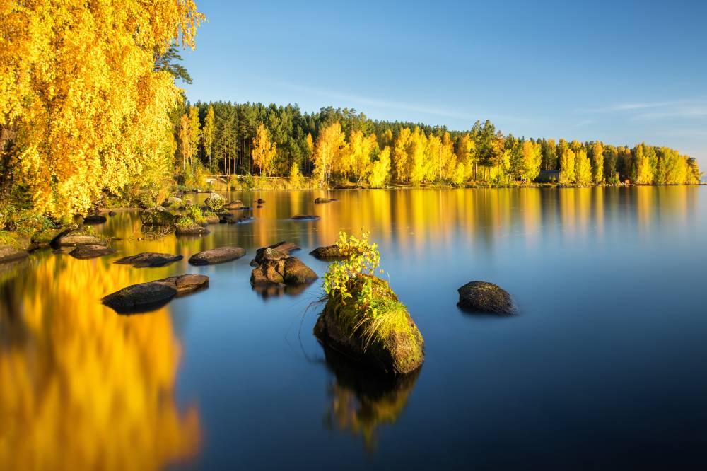 Осеннее утро на озере Таватуй