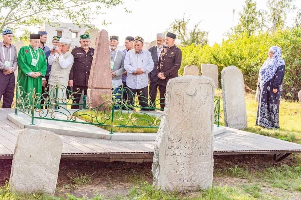 Могила Зайнуллы Расулева
