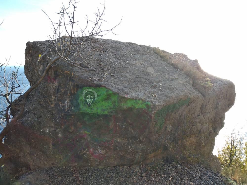 Молитвенный камень в Крыму