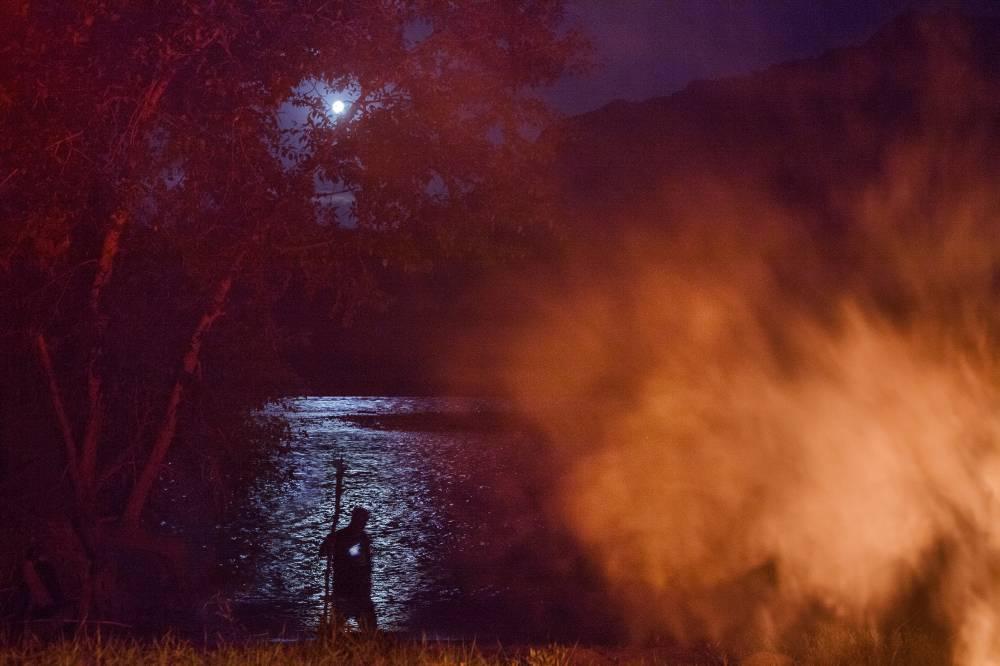 Ночь на реке Катунь